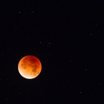 Lune rouge...